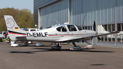 D-EMLF - Cirrus SR22T - Private