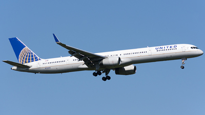 A picture of N74856 - Boeing 757324 - United Airlines - © Wes B