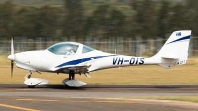 VH-OIS - Aquila A210 - Soar Aviation