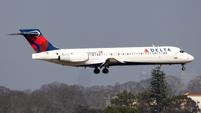A picture of N940AT - Boeing 7172BD - Delta Air Lines - © JinZi