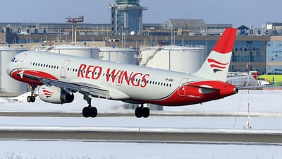 VP-BWS - Airbus A321-231 - Red Wings