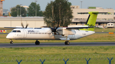YL-BAF - Bombardier Dash 8-Q402 - Air Baltic