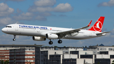 D-AVZH - Airbus A321-231 - Turkish Airlines