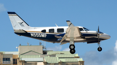 N555MF - Piper PA-31-325 Navajo C/R - Panther Aviation
