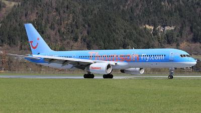 G-BYAT - Boeing 757-204 - Thomsonfly