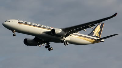 9V-SSF - Airbus A330-343 - Singapore Airlines