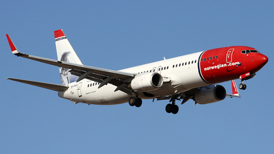 EI-FHH - Boeing 737-8FZ - Norwegian