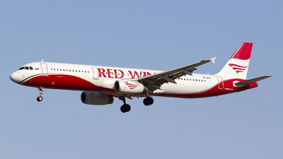VP-BVO - Airbus A321-231 - Red Wings