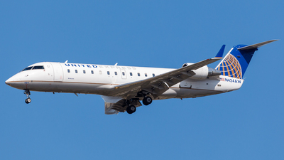 N424AW - Bombardier CRJ-200LR - United Express (Air Wisconsin)