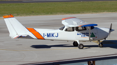 A picture of IMIKJ - Cessna 172R Skyhawk - [17280958] - © Fabrizio Gandolfo
