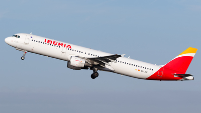 A picture of ECJRE - Airbus A321212 - Iberia - © Matteo Lamberts
