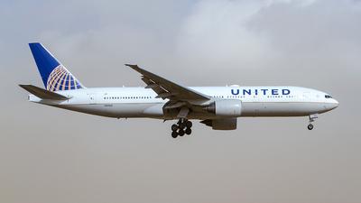 N221UA - Boeing 777-222(ER) - United Airlines