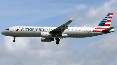 A picture of N904AA - Airbus A321231 - American Airlines - © La Roche Spotters