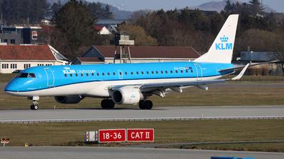 A picture of PHEZB - Embraer E190STD - KLM - © R.Rimestad