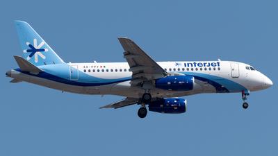 A picture of XAPPY - Sukhoi Superjet 10095B - Interjet - © Roberto Tirado