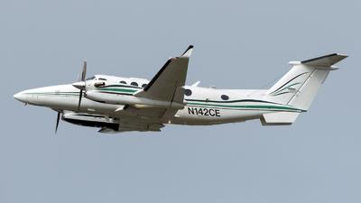 N142CE - Beechcraft B300 King Air 350 - Private