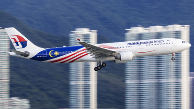 A picture of 9MMTA - Airbus A330323 - Malaysia Airlines - © Michael Malone