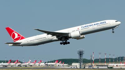 A picture of TCJJJ - Boeing 7773F2(ER) - Turkish Airlines - © Alp AKBOSTANCI