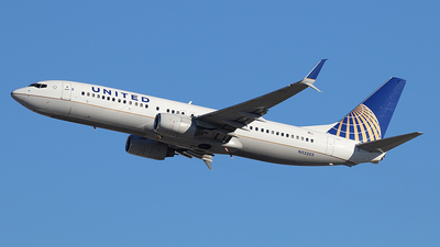 N33203 - Boeing 737-824 - United Airlines