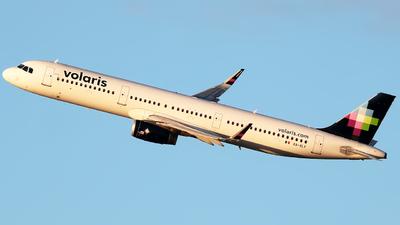 XA-VLY - Airbus A321-231 - Volaris