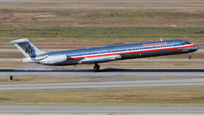 N460AA - McDonnell Douglas MD-82 - American Airlines
