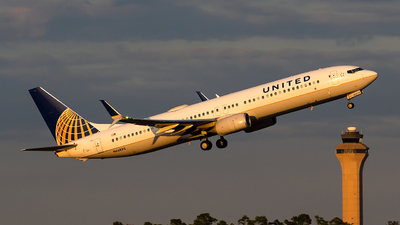 A picture of N66893 - Boeing 737924(ER) - United Airlines - © Houstoniahspotter
