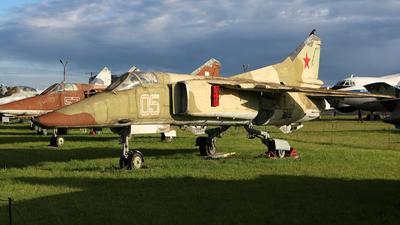 05 - Mikoyan-Gurevich MiG-23 Flogger - Ukraine - Air Force