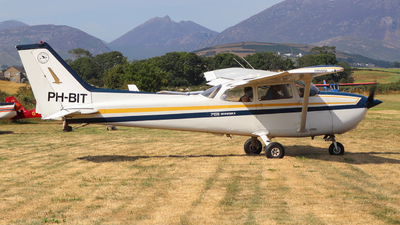 A picture of PHBIT - Cessna F172N Skyhawk - [01863] - © Luke Wilson 729