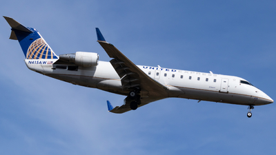 A picture of N415AW - Mitsubishi CRJ200LR - United Airlines - © William Farris