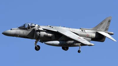 MM7201 - McDonnell Douglas AV-8B+ Harrier II - Italy - Navy
