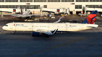 N366DX - Airbus A321-211 - Delta Air Lines