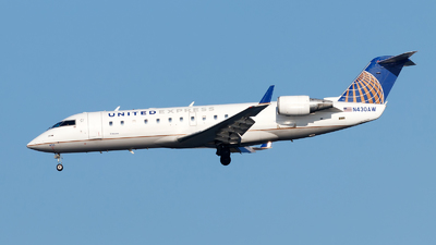 A picture of N430AW - Mitsubishi CRJ200LR - United Airlines - © Oliver Richter