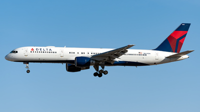 A picture of N664DN - Boeing 757232 - Delta Air Lines - © Jet92