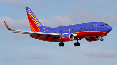 N277WN - Boeing 737-7H4 - Southwest Airlines