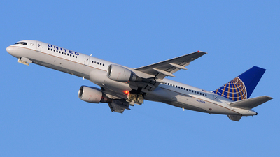 N556UA - Boeing 757-222 - United Airlines