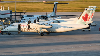 A picture of CFJFM - De Havilland Canada Dash 8300 - Air Canada - © MingyaoLeonardo