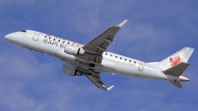 A picture of CFEKD - Embraer E175SU - Air Canada - © Hongyu Wang