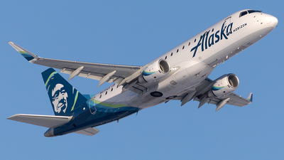 A picture of N639QX - Embraer E175LR - Alaska Airlines - © Mike MacKinnon