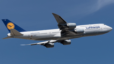 A picture of DABYC - Boeing 747830 - Lufthansa - © Michal Furmanczak