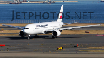 JA8982 - Boeing 777-246 - Japan Airlines (JAL)