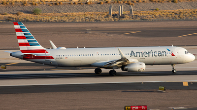 A picture of N165NN - Airbus A321231 - American Airlines - © A Owen