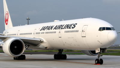 A picture of JA735J - Boeing 777346(ER) - Japan Airlines - © kouyagi