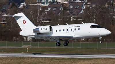 T-752 - Bombardier CL-600-2B16 Challenger 604 - Switzerland - Air Force