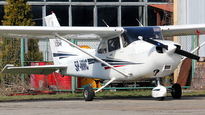 SP-MMC - Cessna 172S Skyhawk SP - Private