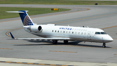 N450AW - Bombardier CRJ-200LR - United Express (Air Wisconsin)