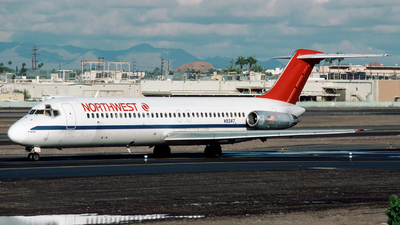 N9347 - McDonnell Douglas DC-9-32 - Northwest Airlines