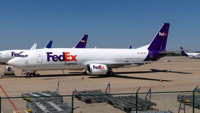 OE-IAT - Boeing 737-4M0(SF) - FedEx (ASL Airlines)