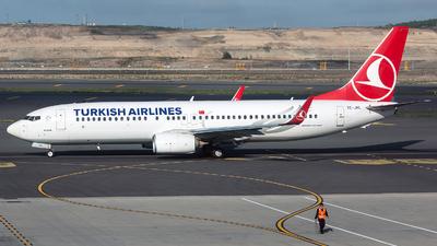 A picture of TCJHL - Boeing 7378F2 - Turkish Airlines - © Tomasz Kozakowski