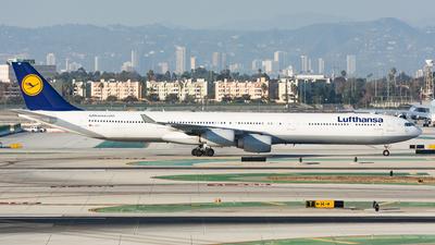 D-AIHU - Airbus A340-642X - Lufthansa