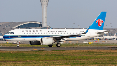B-30AA - Airbus A320-251N - China Southern Airlines